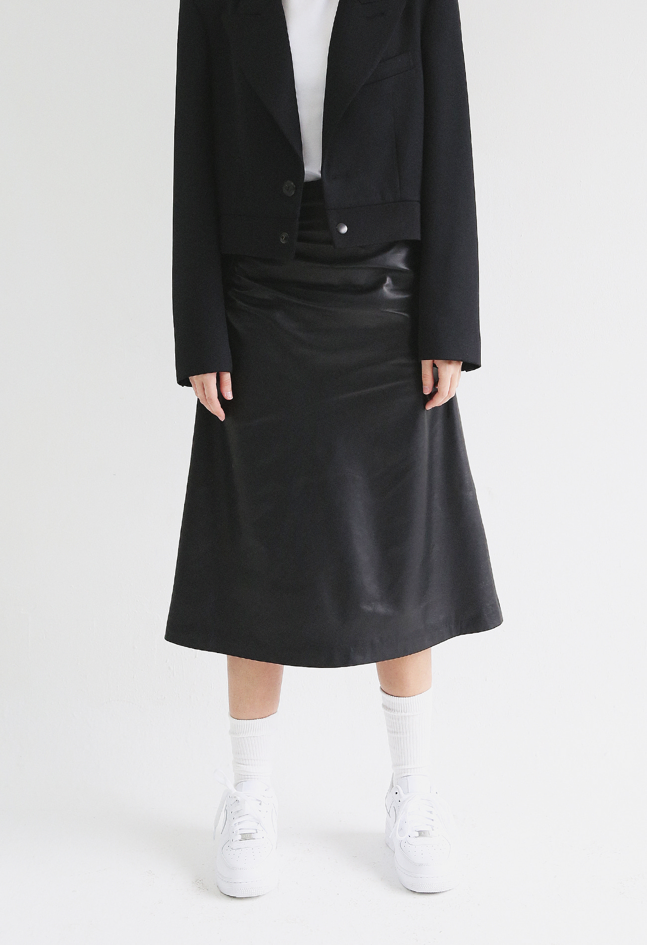 Shirring Skirt In Lambskin (Black)