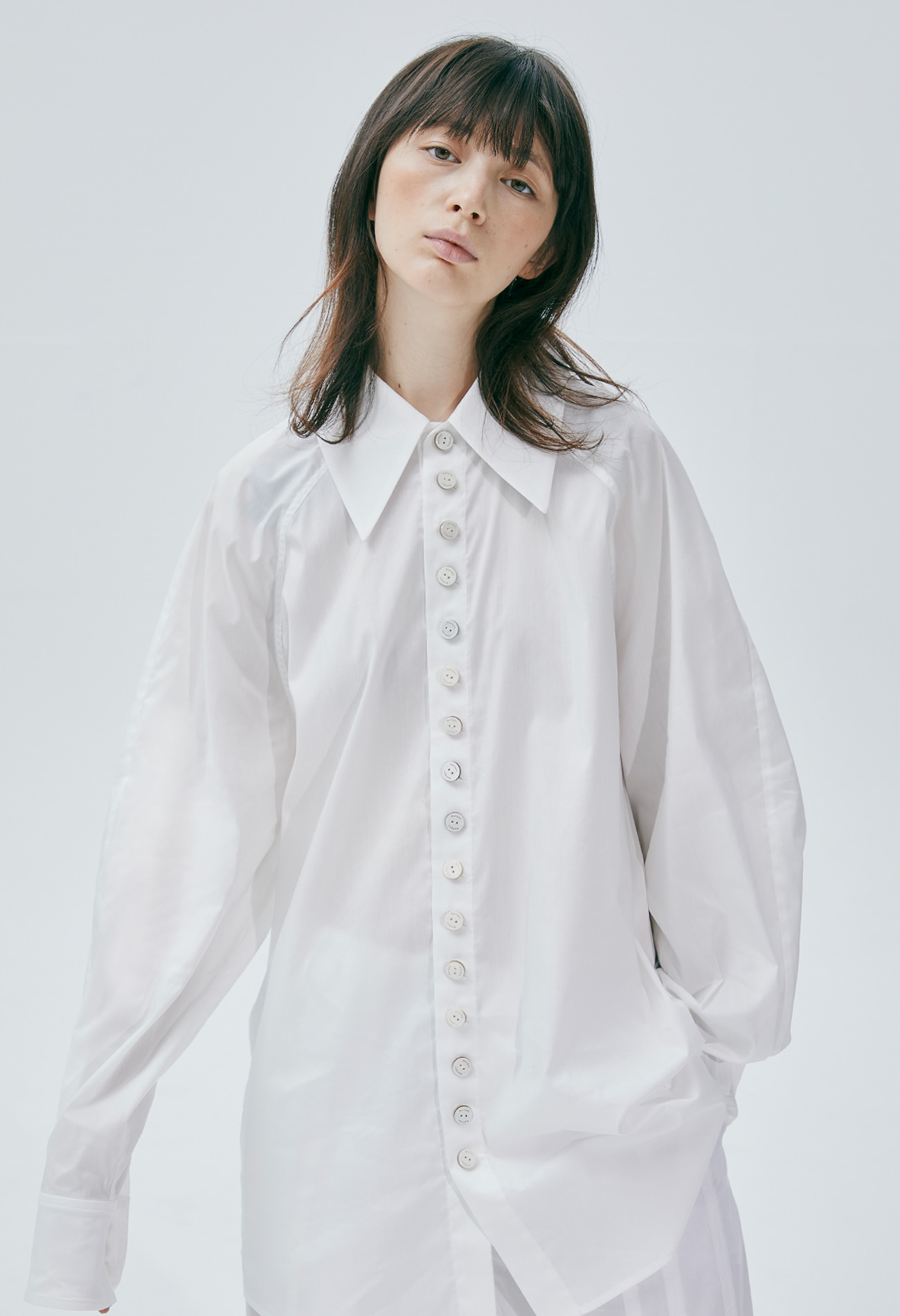 Raglan button shirt (White)