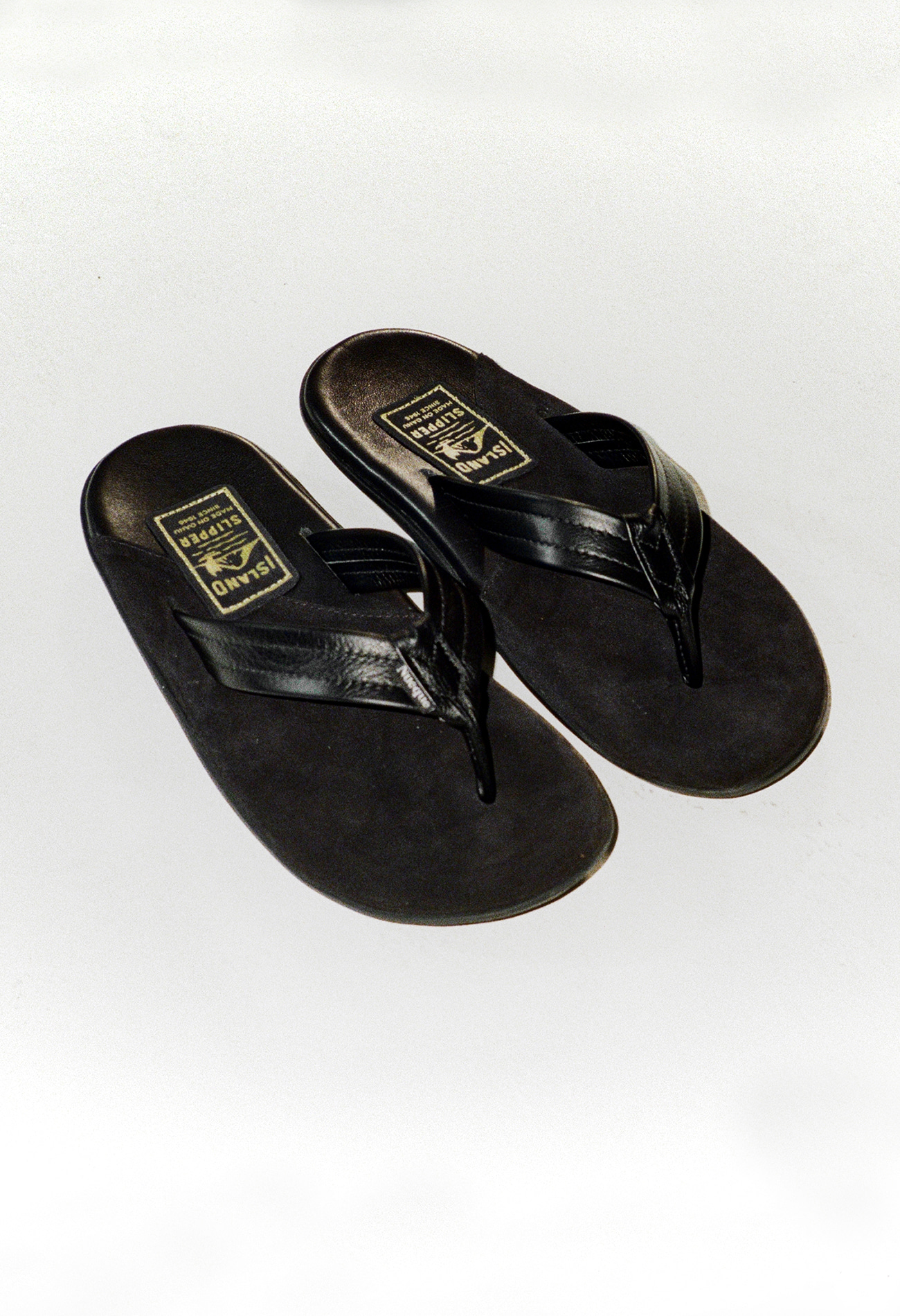 [Nueque X Island Slipper] flip-flop Black